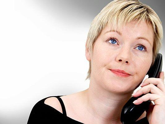 """Das Team von """"Rat auf Draht"""" betreut die Hotline für vermisste Kinder"""