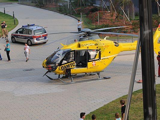 Der Christophorus-Hubschrauber musste den Buben in Liesing abholen