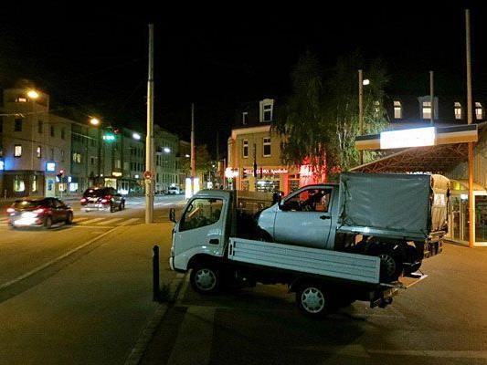Witzig: Der Huckeback-Abschleppdienst in Penzing