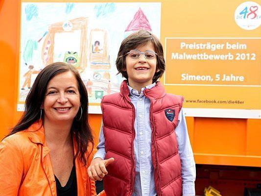 Umweltstadträtin Ulli Sima gratulierte den begabten Siegern des Malwettbewerbs der MA 48