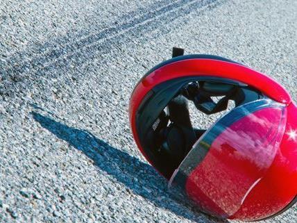 Ein Motorradfahrer hatte in Mödling einen tödlichen Unfall