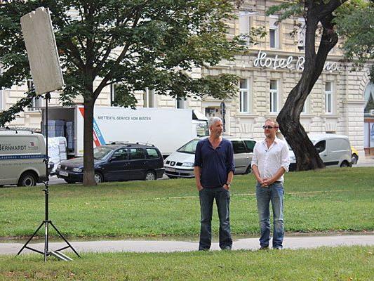 Unser Leserreporter überraschte Stermann und Grissemann bei Dreharbeiten im Votivpark