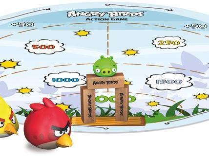 """VIENNA.AT verlost vier Mal das Outdoor-Action-Game """"Angry Birds"""" von Piatnik."""
