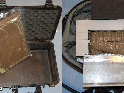 Insgesamt vier Kilo Cannabisharz hatte der beschuldigte in seinem Gepäck versteckt.