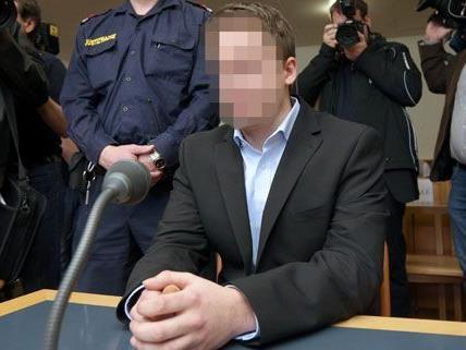 Der 22-Jährige hat seine Ex-Freundin in einer Wohnung in Wien- Margareten erstochen. Die Haft wurde verkürzt.
