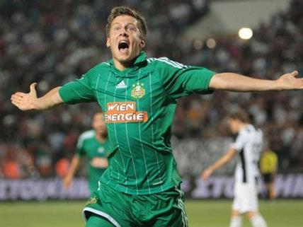 Deni Alar nach seinem Treffer gegen PAOK Saloniki