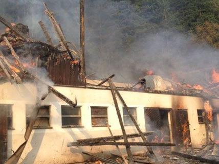 Am Montagnachmittag kam es zu einem Großeinsatz der Feuerwehr in Gloggnitz.