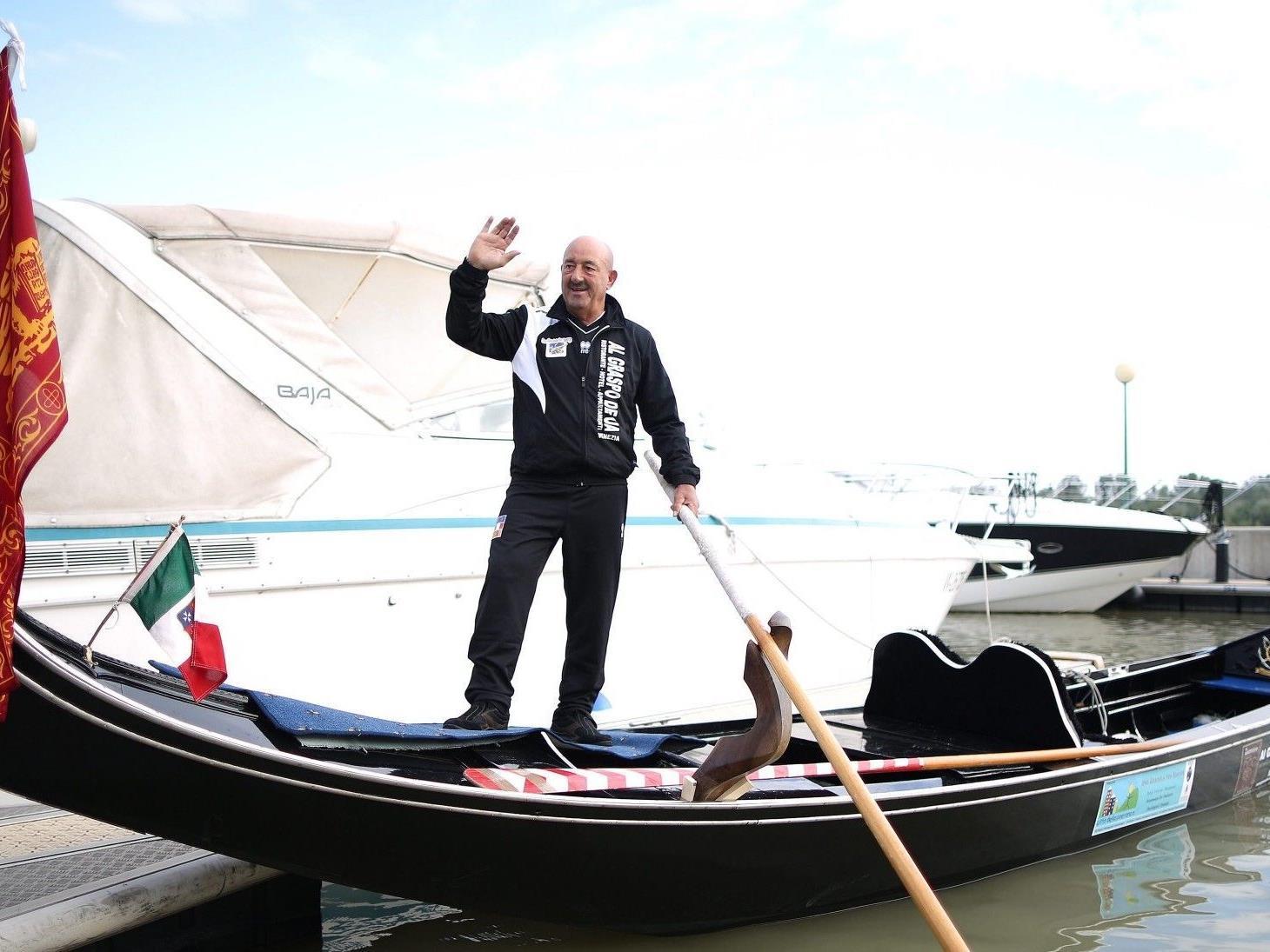Der Gondoliere Vittorio Orio hat Ungarn bereits erreicht.