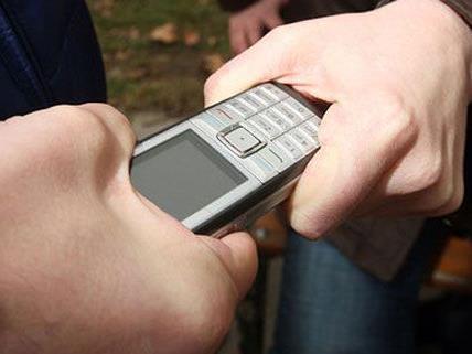 Am Samstag wurde einem 13-Jährigen in Wien-Landstraße das Handy garaubt.