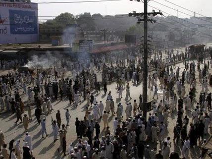 In Pakistan sorgten die Proteste gegen den Film für gewalttätige Ausschreitungen.