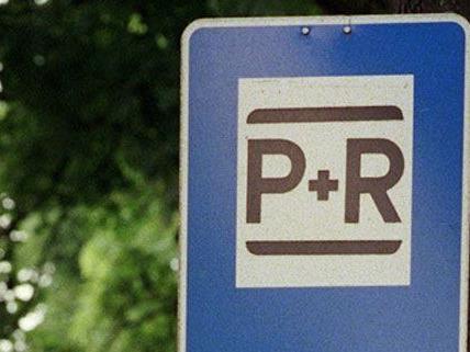 Täglich pendeln 400.000 mit dem Auto nach Wien, nutzen aber ungern die Park&Ride-Anlagen.