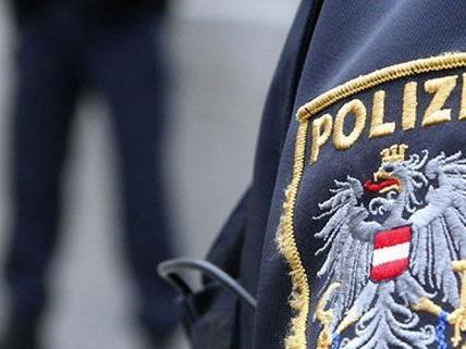 Ein 22-Jähriger wurde mit einer 30 bis 40 Zentimeter langen Wunde gefunden.
