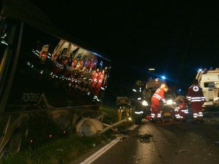 Die 17-jährige Beifahrerin überlebte den Unfall in Niederösterreich nicht.