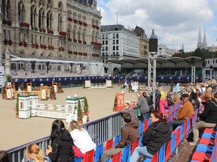 Im kommenden Jahr soll die Sitzplatztribüne beim Reitturnier Vienna Masters überdacht werden.