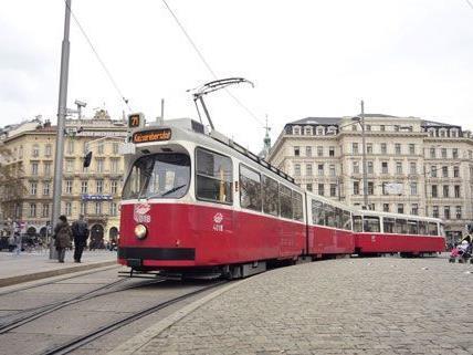 Mit dem 71er gibt es nun eine weitere Straßenbahnlinie, die am Ring fährt.