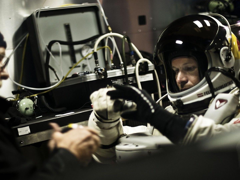 Der Stratos-Sprung von Felix Baumgartner wurde am Dienstag um eine Stunde verschoben.