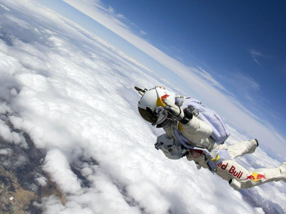 Felix Baumgartner wagt den Sprung