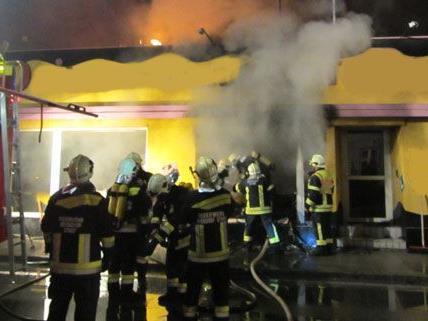 Brand in einer Fahrschule in Berndorf in Niederösterreich