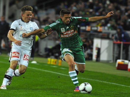 Thomas Schrammel (r./Rapid Wien) und Stefan Rakowitz (Wiener Neustadt) beim Match