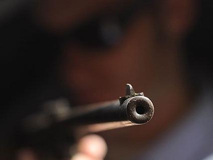 Ein 28-jähriger Mann ging in Floridsdorf sehr unvorsichtig mit seiner Waffe um