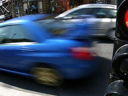 Der Streit zwischen den Autofahrern in Floridsdorf endete mit Sachbeschädigung.