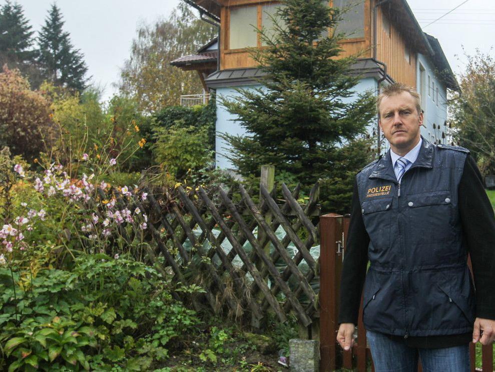 Am Sonntag ging die Polizei weiter von einem Einbruch mit anschließendem Mord aus.