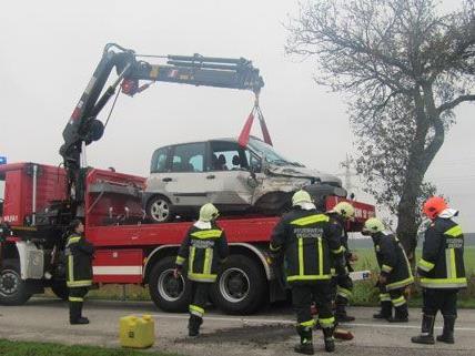 Am Mittwoch wurde eine Lenkerin bei einem Unfall im Bezirk Neunkirchen verletzt.