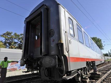 Der Intercity entgleiste am Freitag, weil eine Weiche falsch gestellt war.
