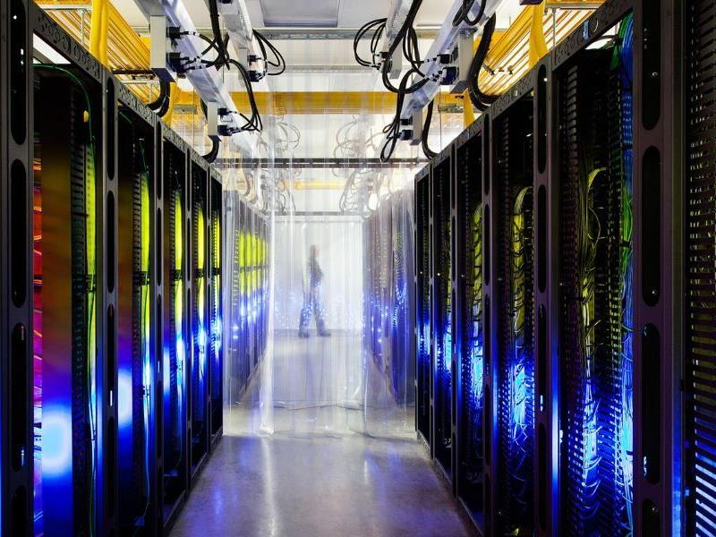 Sehr beeindruckende Bilder aus den Rechenzentren von Google.