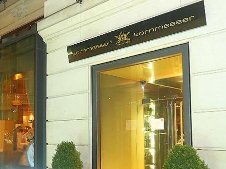 Der Juwelier Kornmesser im Kreuzfeuer der Finanzpolizei.