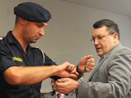 Der Prozess gegen Gottfried Küssel wurde am Mittwoch erneut unterbrochen.