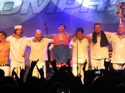 Das Wiener Publikum zeigte sich begeistert von Oomph! in der Arena.