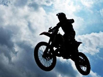 Beim Motocross-Training am Sonntag wurde ein 33-Jähriger verletzt.