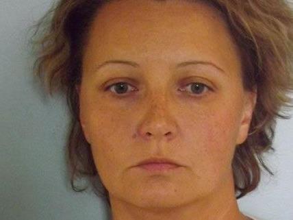 Schwerer Betrug in mehreren Fällen – Täterin in Haft