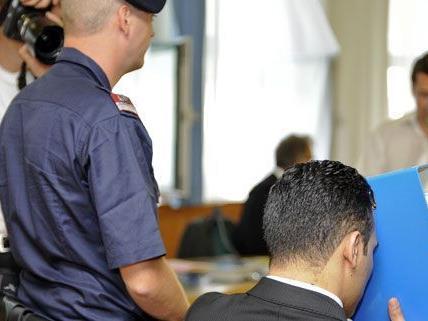 Am Dienstag soll der Angeklagte Lofti D. einvernommen werden.