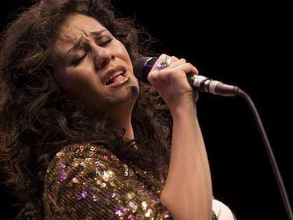 Die syrische Sängerin Lena Chamamyan hat ebenso ihren Auftritt am Salam.Orient abgesagt.