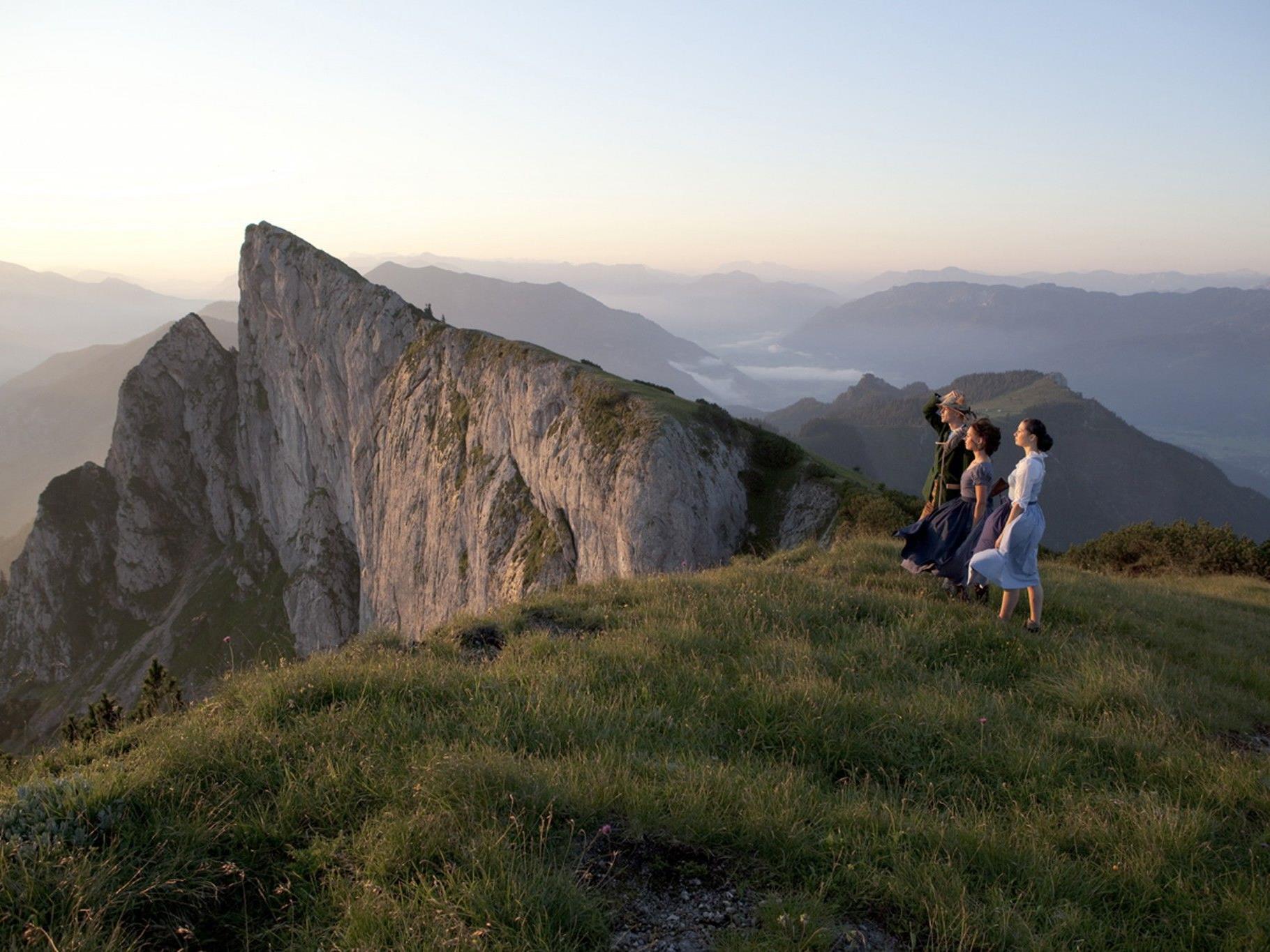 Der markante 1.783 Meter hohe Schafberg im Salzkammergut wird zu einer Startrampe für eine Mondreise.
