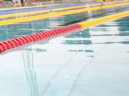 Ein 63-jähriger Schwimmtrainer aus der Nähe von Wien soll Minderjährige missbraucht haben.