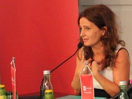Die Wiener Schauspielerin Angela Schneider ist die neue Stimme der Wiener Linien.
