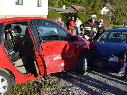 Insgesamt wurden drei Personen bei dem Unfall auf der L134 am Montagnachmittag verletzt.