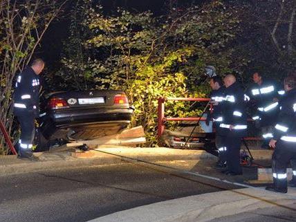 Rund zwei Stunden war die Feuerwehr nach dem Unfall beim Wiener AKH im Einsatz.