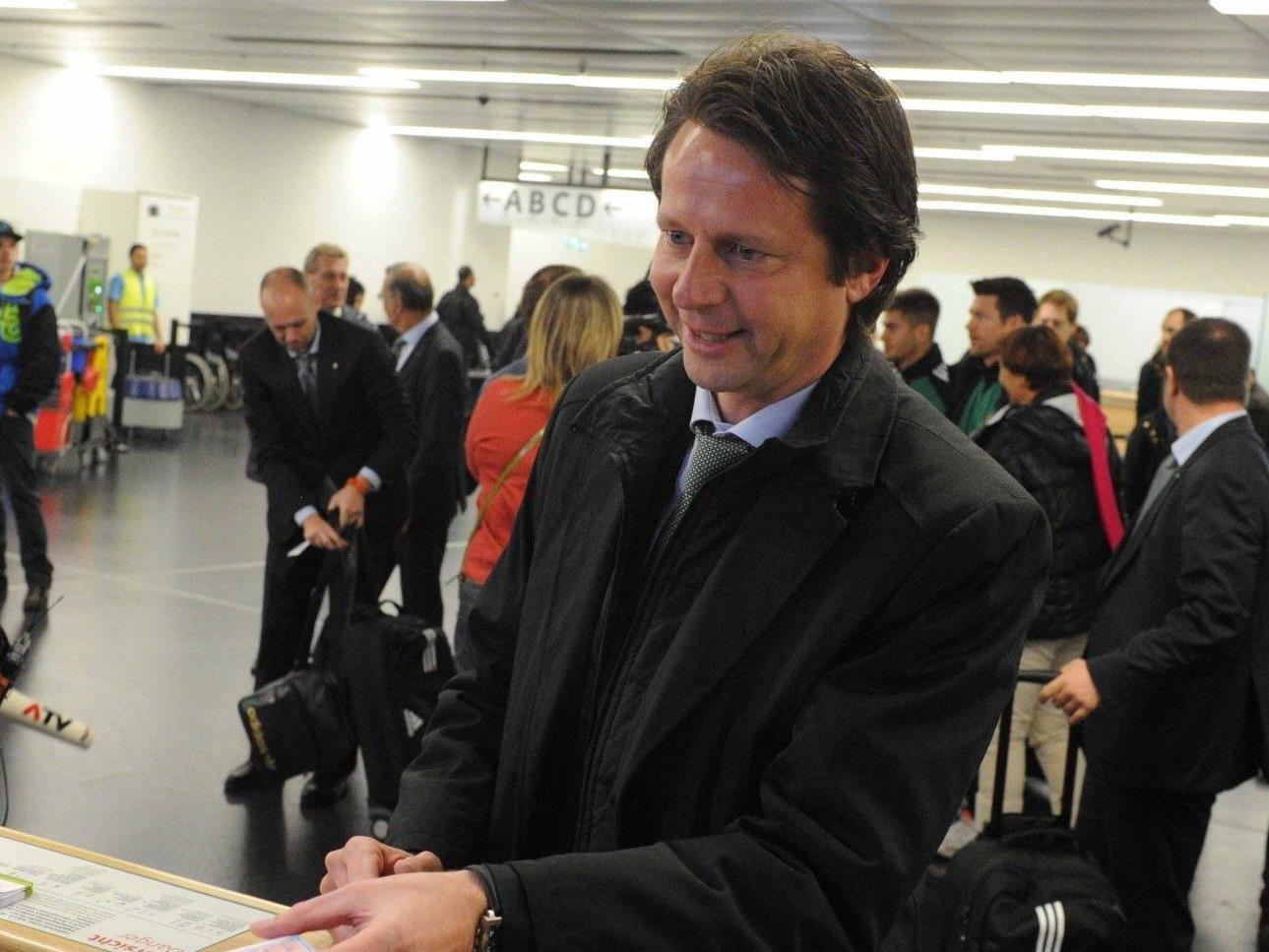 Am Mittwoch flog die Mannschaft des SK Rapid Wien nach Leverkusen.