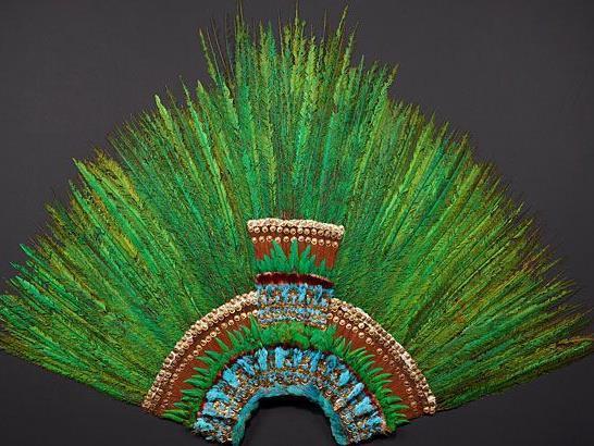 """Die bekannte """"Federkrone des Montezuma"""" wird im Wiener Völkerkundemuseum ausgestellt"""