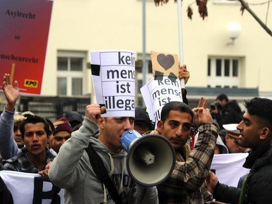 Die Asylwerber beim Protestmarsch nach Wien
