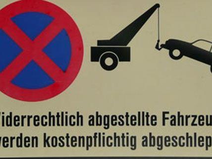 Auch Stellplätze für Autos beeinflussen die Höhe der Miete.