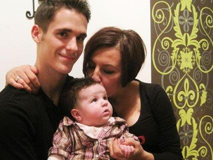 Ervin Szabo und Renata Jura, gemeinsam mit ihrer Tochter.