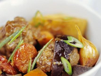 Rezepte für Eintopf können leicht variiert werden und so auch Vegetariern schmecken.