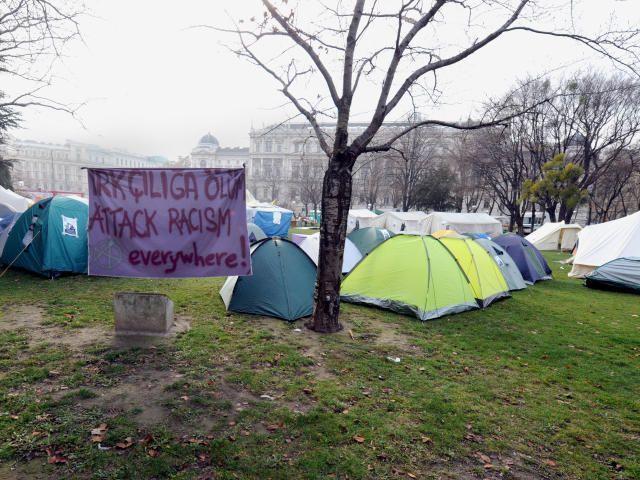 Im Sigmund-Freud-Park in Wien campieren Asylwerber aus Traiskirchen.