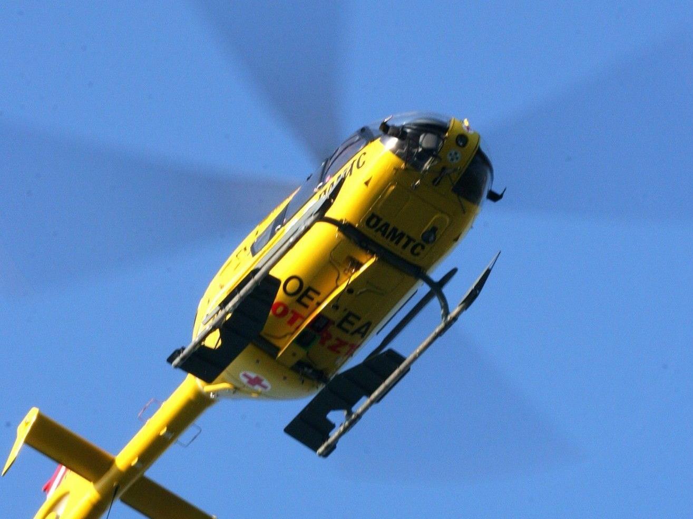 Die Schwerverletzte wurde mit dem Rettungshubschrauber ins UKH Salzburg gebracht.