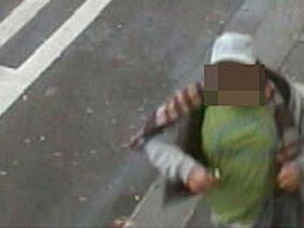 Ein Polizist erkannte den Verdächtigen auf dem Fahndungsfoto.